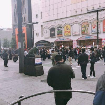 マルハン新宿東宝店前の広場