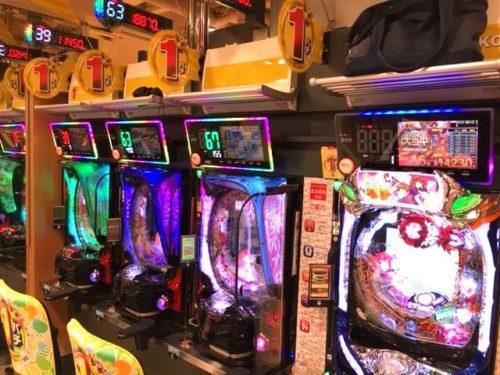 エスパス新宿歌舞伎町店 島